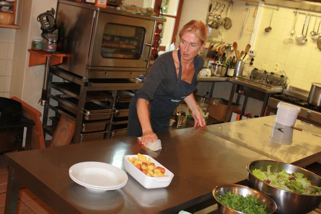 Ellis doet catering op Bois-le-Comte in Orval.